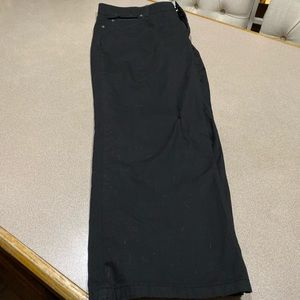 Nwt black capris with comfort waist size 16